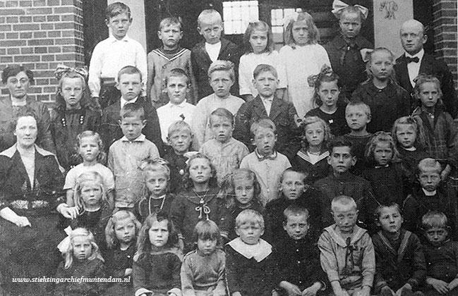 School met den Bijbel Muntendam 1922